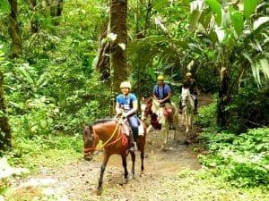 Horseback riding in Costa Rica (3)